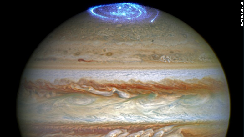 160630231332-hubble-jupiter-juno-auroras-exlarge-169